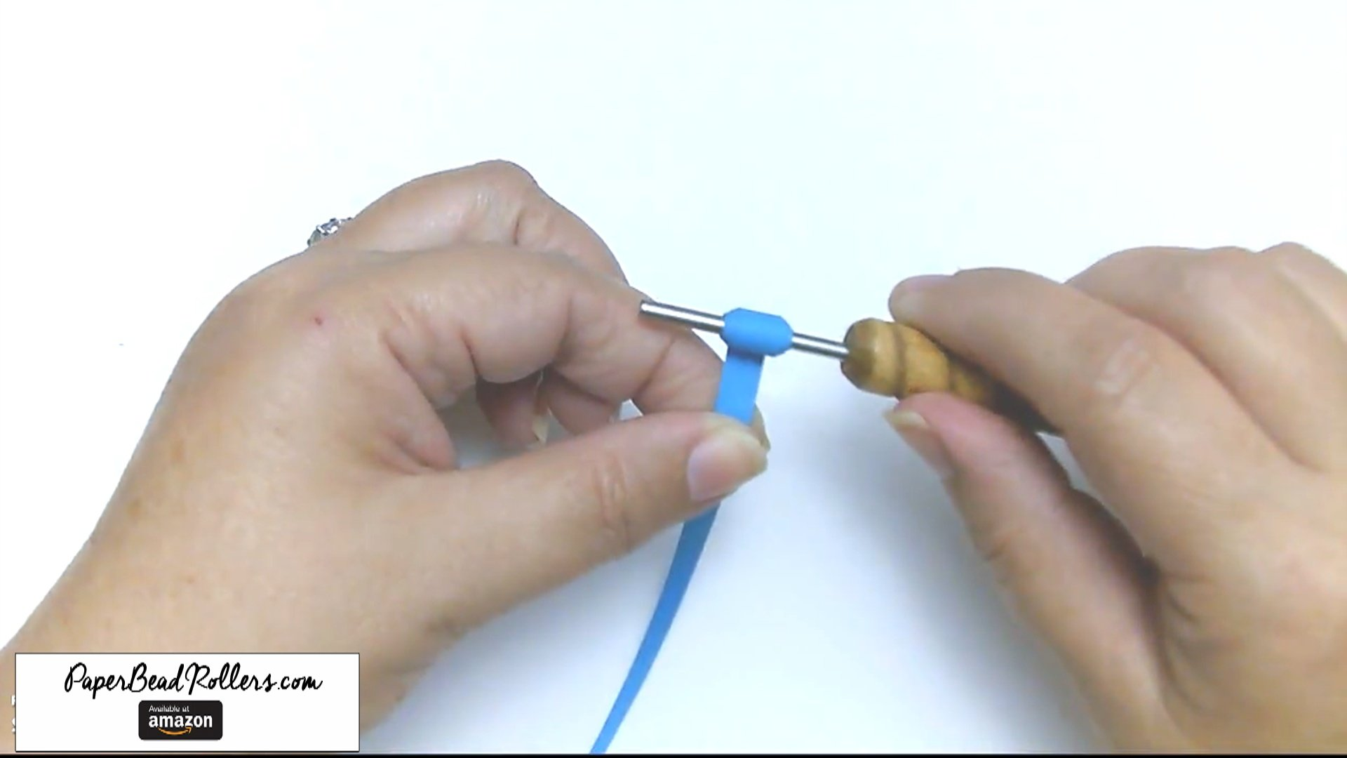 How to Roll a Paper Bead