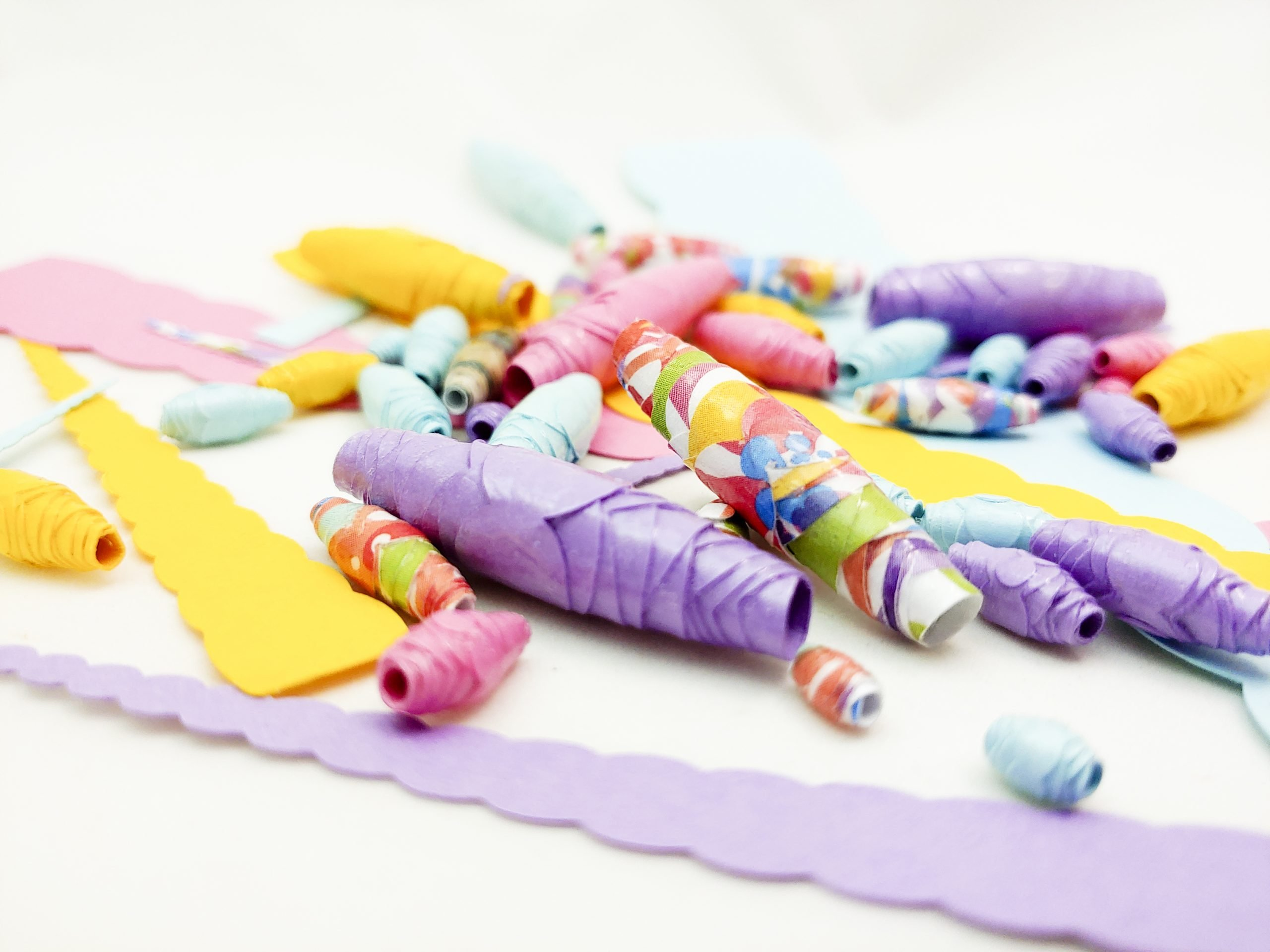 Scalloped Paper Bead Tutorial